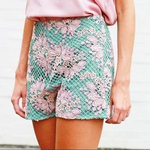 ENTRO High Waisted Floral Crocheted Shorts